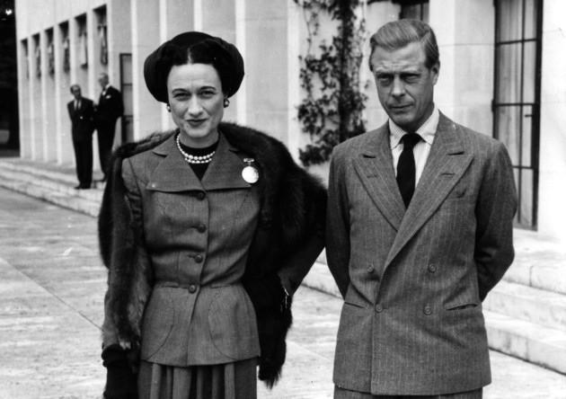 Edward VIII - vua nước Anh một đời phong lưu lại rơi vào lưới tình si, từ bỏ cả ngai vàng để cưới người phụ nữ Mỹ đã 2 lần đò - Ảnh 4.