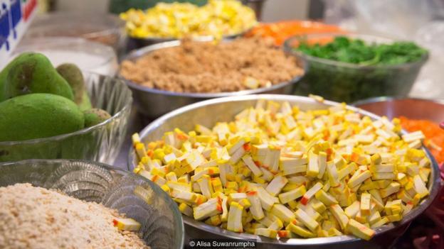 Triết lý kinh doanh đáng nể ở nơi phân phối món Pat Thai ngon nhất Bangkok, đưa quán ăn ven những con phố trở thành biểu tượng ẩm thực của cả Thái Lan - Ảnh 3.