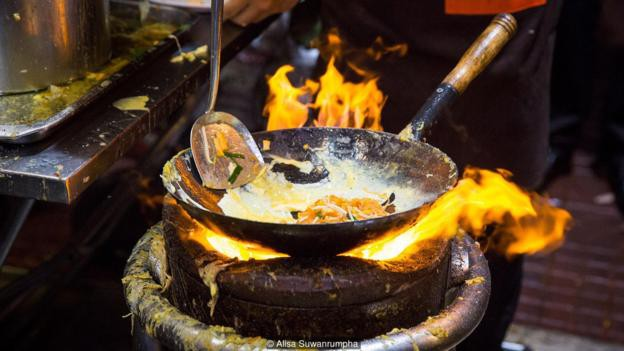 Triết lý kinh doanh đáng nể ở nơi phân phối món Pat Thai ngon nhất Bangkok, đưa quán ăn ven những con phố trở thành biểu tượng ẩm thực của cả Thái Lan - Ảnh 4.