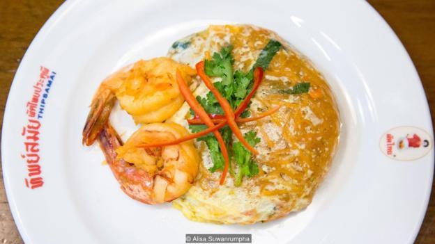 Triết lý kinh doanh đáng nể ở nơi phân phối món Pat Thai ngon nhất Bangkok, đưa quán ăn ven những con phố trở thành biểu tượng ẩm thực của cả Thái Lan - Ảnh 6.