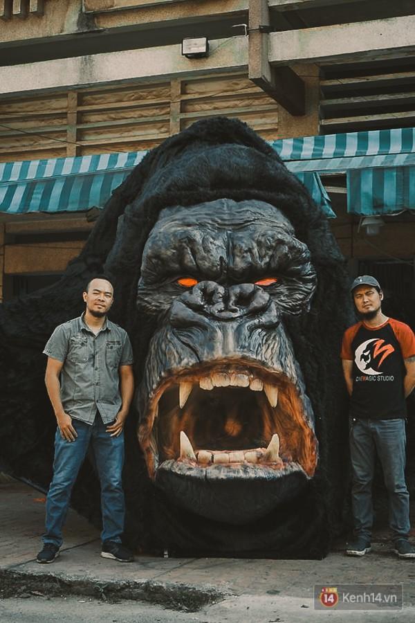 Ghé thăm lò chế tạo mô hình quái vật kinh dị như trong phim Hollywood của nhóm bạn trẻ ở Sài Gòn - Ảnh 2.