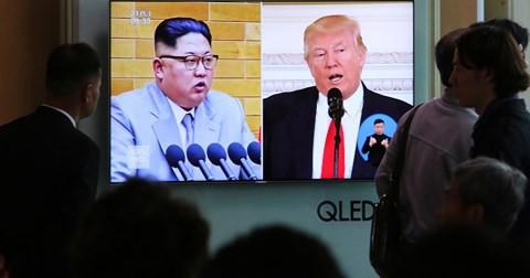 Nhóm tiền trạm Triều Tiên thẳng tiến tới Singapore chuẩn bị cuộc họp với ông Trump  - Ảnh 1.