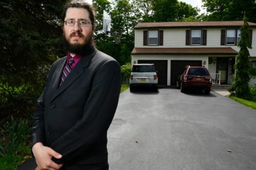 Bố mẹ kiện con trai ra tòa chỉ vì... không chịu dọn ra ở riêng: Đàn ông 30 tuổi không làm tỷ phú hay giám đốc không sao, biết nghĩ đến bố mẹ là đáng mừng rồi! - Ảnh 1.