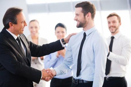 'Cẩm nang ma mới' giúp công việc thuận lợi ngay từ tháng đầu đi làm - Ảnh 1.