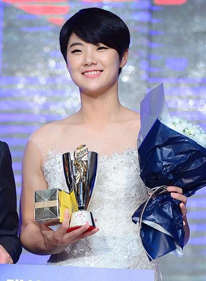 Nữ hoàng mới của làng golf thế giới Park Sung Huyn: Bóng hồng xinh đẹp, tài năng với phong cách lạnh lùng và thành tích đáng nể  - Ảnh 3.