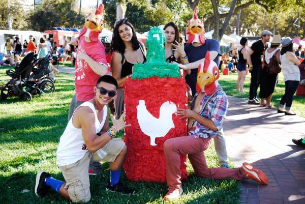 [Case Study] Cách vua tương ớt gốc Việt bán Sriracha cho toàn nước Mỹ: Chỉ cần làm ra sản phẩm thật tốt, khách hàng sẽ quảng cáo thay cho bạn - Ảnh 8.