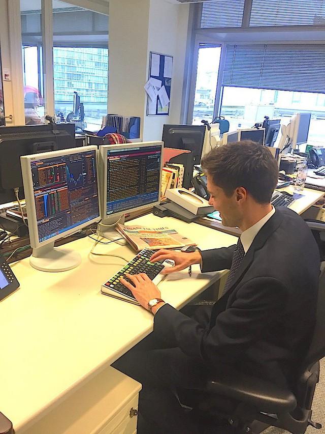 Cuộc sống hàng ngày bận rộn của thanh niên 28 tuổi đang làm việc ở Credit Suisse - Ảnh 14.