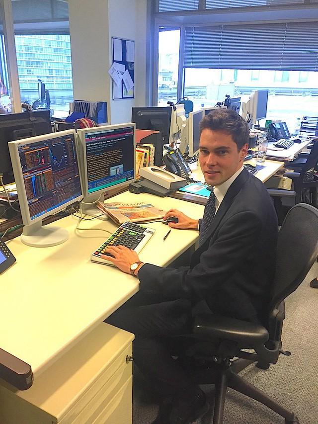 Cuộc sống hàng ngày bận rộn của thanh niên 28 tuổi đang làm việc ở Credit Suisse - Ảnh 3.
