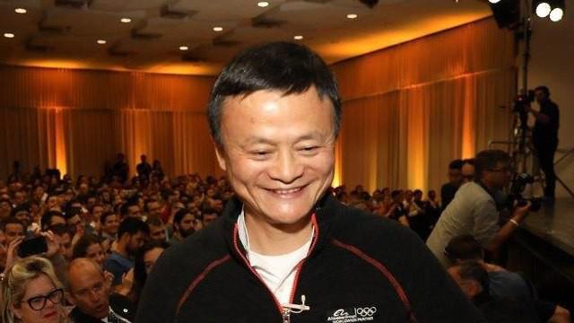 Jack Ma: Người thông minh rời bỏ công ty, còn những người tin tưởng vào tầm nhìn tương lai sẽ ở lại - Ảnh 2.