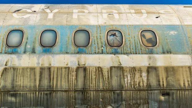 Sân bay ma ở Địa Trung Hải bỏ hoang 44 năm - Ảnh 3.