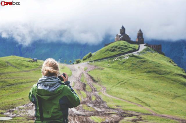 Nhà sáng lập startup: Du lịch giống như là chất gây nghiện thời thượng. Các bạn trẻ, ĐỪNG ĐI DU LỊCH nữa! - Ảnh 3.