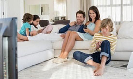 Cho trẻ em sử dụng thiết bị công nghệ bao nhiêu thời gian là đủ? - Ảnh 1.