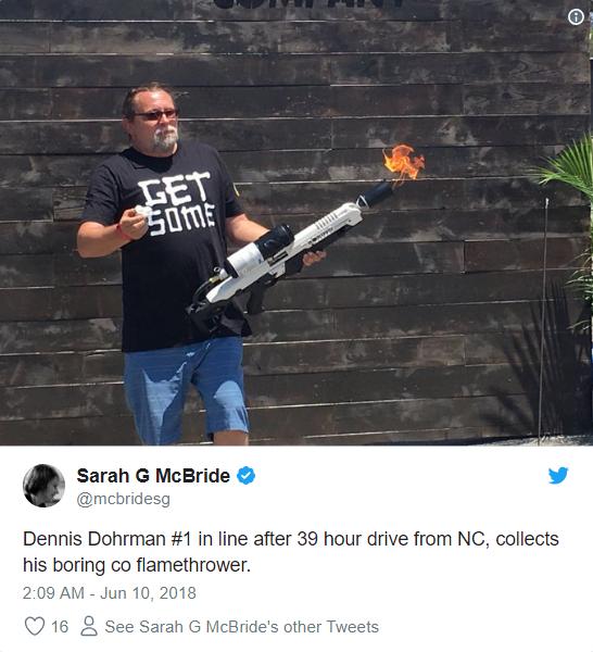 Vừa suýt khóc tại cuộc họp cổ đông, Elon Musk đã phấn khởi đăng tweet về việc bán được 1000 súng phun lửa - Ảnh 5.
