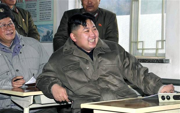 Cuồng giày Nike, thích xem phim hành động,...những điều thú vị không phải ai cũng biết về nhà lãnh đạo Triều Tiên - Ảnh 3.