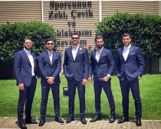Dàn tuyển thủ Iran như người mẫu này đang gây sốt ở World Cup 2018 - Ảnh 1.