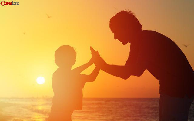 Bố ơi tại sao chúng ta cố gắng như vậy mà vẫn nghèo?: Dù không thể chọn nơi sinh ra nhưng có thể nỗ lực để quyết định điểm khởi đầu cho thế hệ sau - Ảnh 2.