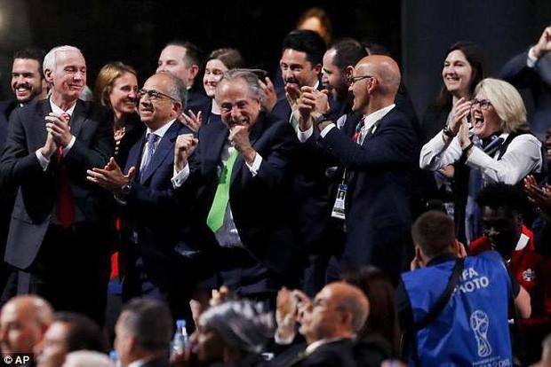 Mỹ, Canada và Mexico trở thành đồng chủ nhà World Cup 2026 - Ảnh 1.