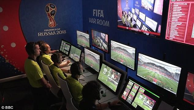 5 sự thật giật mình về công nghệ VAR tại World Cup 2018 - Ảnh 1.