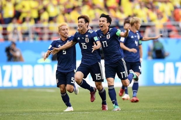 """đầu tư giá trị - photo 1 1529545814768372531629 - Người dân Nhật Bản """"đi bão"""", đổ ra đường ăn mừng chiến thắng gây sốc của đội nhà tại World Cup 2018"""