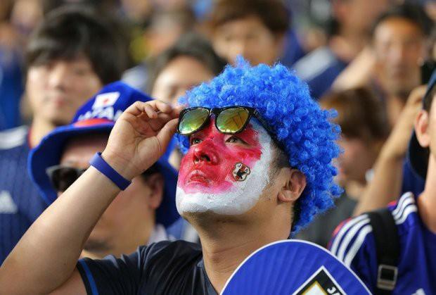 """đầu tư giá trị - photo 4 1529545817758424770120 - Người dân Nhật Bản """"đi bão"""", đổ ra đường ăn mừng chiến thắng gây sốc của đội nhà tại World Cup 2018"""