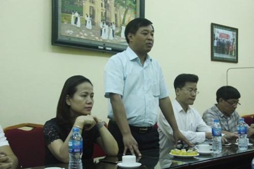 Hà Nội: Cửa nhà dân tiếp giáp Điểm thi phải đóng cửa trong những ngày thi - Ảnh 1.