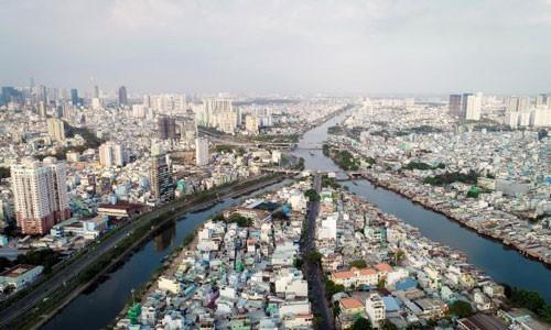 Lo kinh tế TP HCM chững lại - Ảnh 1.