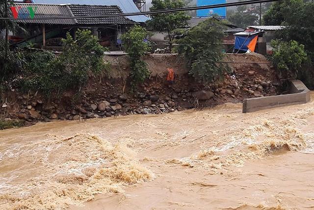 Ảnh: Mưa lớn và lũ quét gây thiệt hại lớn cho Lai Châu - Ảnh 11.