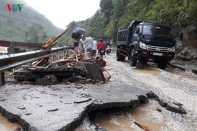 Ảnh: Mưa lớn và lũ quét gây thiệt hại lớn cho Lai Châu - Ảnh 16.