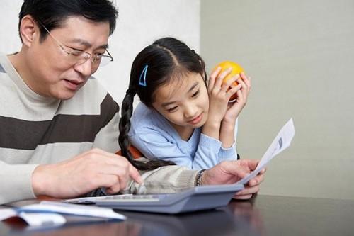4 hành động người lớn chớ nên xem nhẹ nếu không muốn con cái bị ảnh hưởng xấu - Ảnh 3.