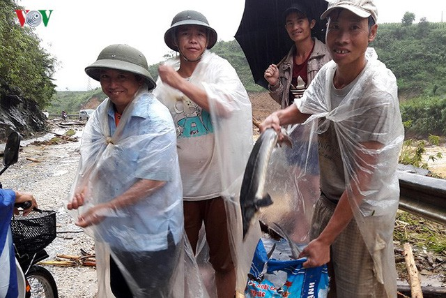 Ảnh: Mưa lớn và lũ quét gây thiệt hại lớn cho Lai Châu - Ảnh 7.