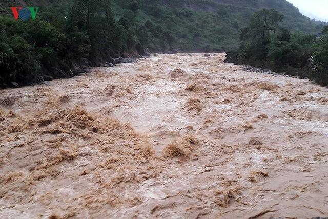 Ảnh: Mưa lớn và lũ quét gây thiệt hại lớn cho Lai Châu - Ảnh 8.