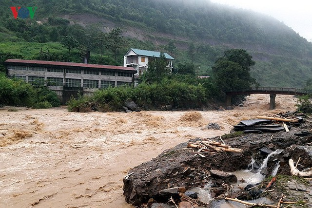 Ảnh: Mưa lớn và lũ quét gây thiệt hại lớn cho Lai Châu - Ảnh 10.