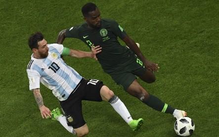 """đầu tư giá trị - photo 3 15300701040661976525041 - Không phải bàn thắng, đây mới là hình ảnh """"điên rồ"""" nhất của Messi trước Nigeria"""