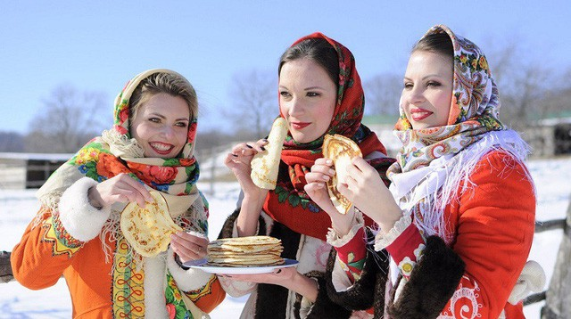 Nước Nga có một loại bánh nhìn quen mắt nhưng rất lạ và hấp dẫn với vô vàn loại nhân - Ảnh 1.