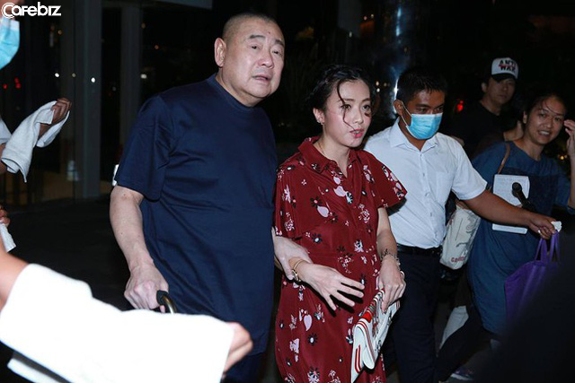 Mãnh hổ săn mỹ nữ và cách chọn vợ, chia tài sản lạ đời của tỷ phú bất động sản giàu có bậc nhất Hong Kong - Ảnh 2.