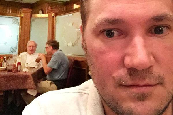 Bữa trưa triệu đô cùng tỷ phú Warren Buffett có gì đặc biệt? - Ảnh 3.