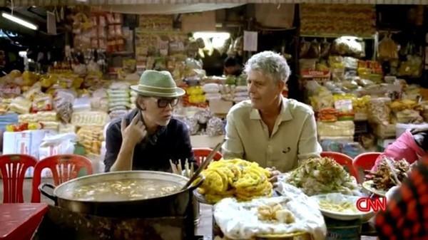 Những hình ảnh đáng nhớ của đầu bếp Anthony Bourdain trong hành trình khám phá ẩm thực Việt Nam - Ảnh 7.