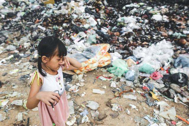 Chuyện của cô bé 9 tuổi sống ở bãi rác Phú Quốc và chàng kỹ sư nông nghiệp đi khắp đất nước kể chuyện trẻ thơ - Ảnh 7.
