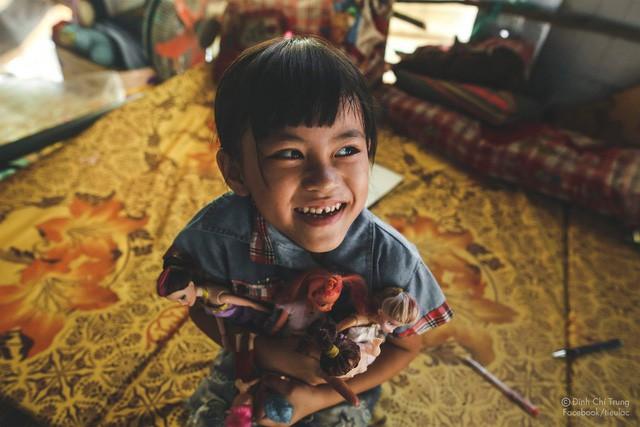 Chuyện của cô bé 9 tuổi sống ở bãi rác Phú Quốc và chàng kỹ sư nông nghiệp đi khắp đất nước kể chuyện trẻ thơ - Ảnh 10.