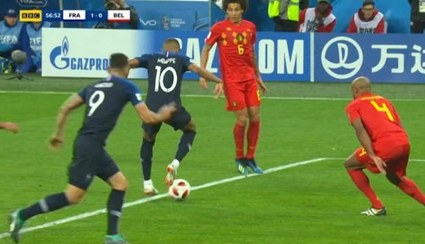 Mbappe chuyền bóng siêu hạng khiến Rio Ferdinand hét lên kinh ngạc - Ảnh 1.
