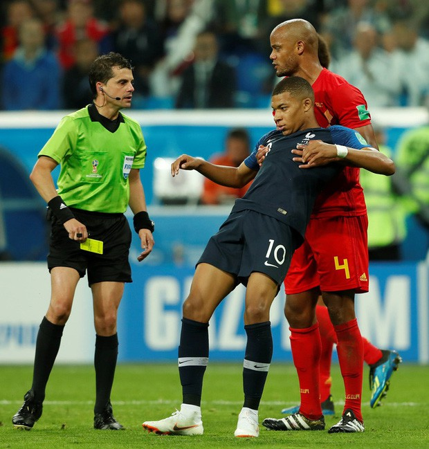 đầu tư giá trị - photo 4 15312716531291208366515 - Sau màn lăn lộn ăn vạ như Neymar, sao trẻ Mbappe lại bị chỉ trích vì thói câu giờ chọc tức đối thủ