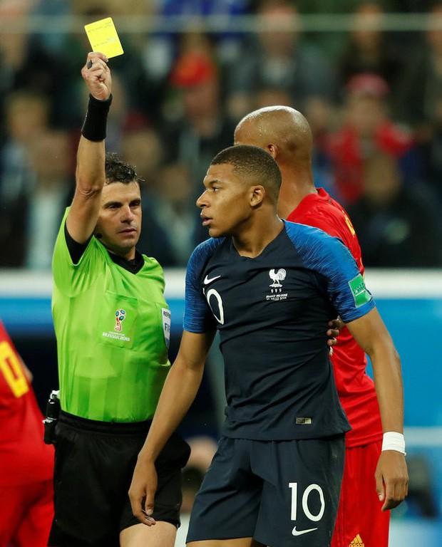 đầu tư giá trị - photo 6 1531271653132822887360 - Sau màn lăn lộn ăn vạ như Neymar, sao trẻ Mbappe lại bị chỉ trích vì thói câu giờ chọc tức đối thủ
