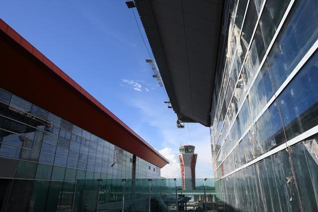 Toàn cảnh cảng hàng không quốc tế Vân Đồn trong ngày đón chuyến bay hiệu chuẩn đầu tiên - Ảnh 7.