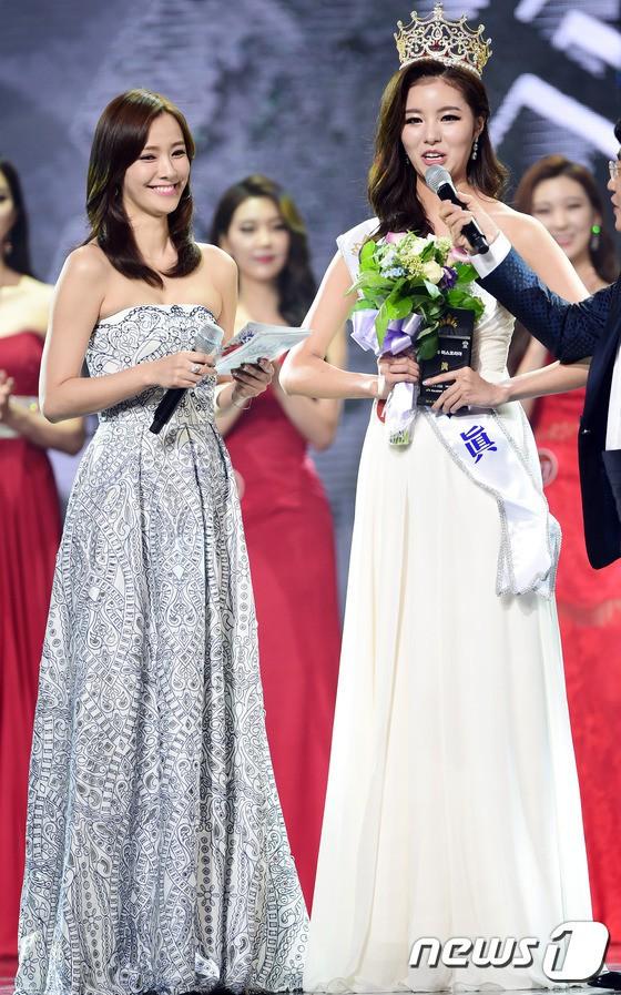 """Trớ trêu các cuộc thi sắc đẹp Hàn Quốc: Hoa hậu bị """"kẻ ngoài cuộc"""" lấn át nhan sắc ngay trong đêm đăng quang! - Ảnh 17."""