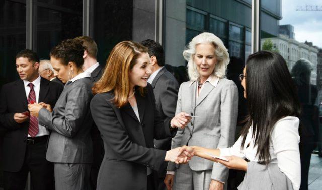 đầu tư giá trị - photo 3 1531617347637826838662 - 5 bí mật khi xây dựng mạng lưới quan hệ người trẻ cần phải biết nếu muốn lập nghiệp thành công