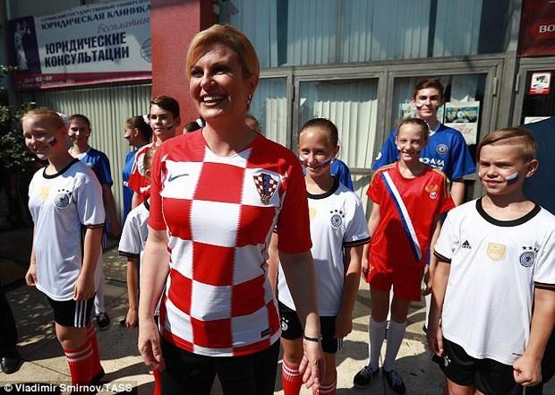 Chuyện khó tin về hành trình đến với World Cup 2018 của nữ Tổng thống Croatia - Ảnh 9.
