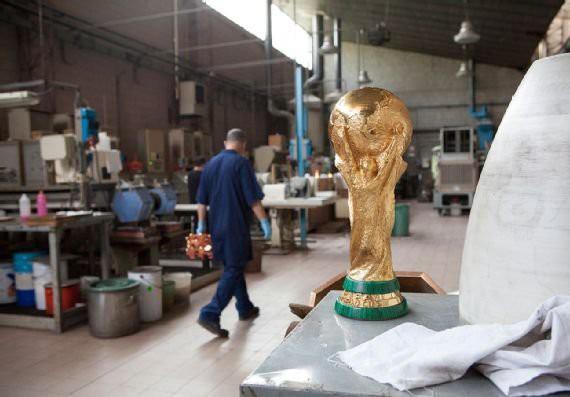 Cúp vàng của World Cup 2018 được tạo ra như thế nào? - Ảnh 16.