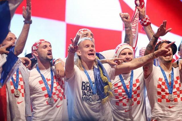 Tuyển Croatia dùng toàn bộ 29,5 triệu USD tiền thưởng World Cup làm từ thiện  - Ảnh 1.