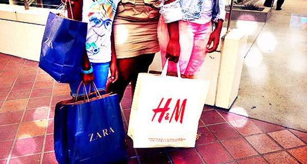 Chiến lược đặc biệt này giúp Zara tăng trưởng mạnh mẽ, khi đối thủ H&M đang chết chìm trong núi quần áo ế lên tới 4 tỷ USD - Ảnh 8.