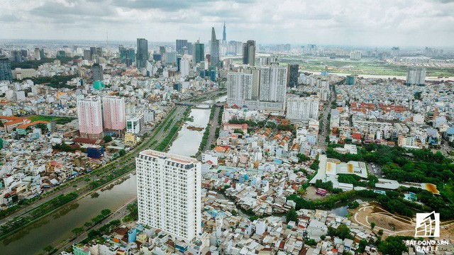 Khan hiếm nguồn cung, nhà đất Bến Vân Đồn Sài Gòn thiết lập mặt bằng giá mới - Ảnh 1.